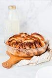 Pudín de pan y de la mantequilla de la nuez Foto de archivo libre de regalías