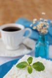 Pudín dulce del cuscús (tapioca) (doce del cuscuz) con el coco Foto de archivo libre de regalías