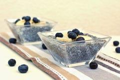 Pudding avec la myrtille et la banane Image libre de droits