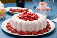 Free Pudding Cake With Strawberries Royalty Free Stock Photo - 54114785