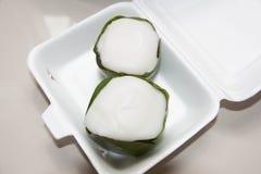 Pudding con la guarnizione della noce di cocco Immagine Stock