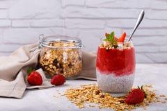 Pudding de fraise de Chia Photos stock