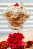 Pudding de pain de raisin sec de cannelle photos stock