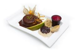 Pudding di cioccolato con la frutta Fotografia Stock Libera da Diritti