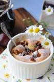 Pudding di prugna (clafoutis) Fotografie Stock Libere da Diritti
