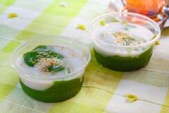 Pudding doux de noix de coco noire, piakpoon de Kanom Photos stock
