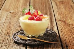 Pudding and fruit Royalty Free Stock Photos