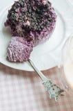 Pudding med blåbär och med is kaffe Arkivbild