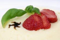 Pudding met Aardbei Stock Fotografie