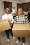 pudełek pary poruszający senior Fotografia Stock