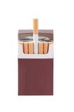 Pudełko papierosy odizolowywający na bielu Zdjęcia Royalty Free