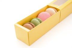 pudełkowaci kolorowi macaroons Fotografia Royalty Free