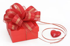 pudełkowata dar serca czerwony Fotografia Royalty Free