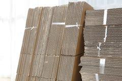 pudełkowatego kartonu odosobneni cienie biały Fotografia Stock