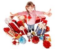 pudełkowatej dziecka prezenta dziewczyny grupy szczęśliwy kciuk szczęśliwy Fotografia Stock