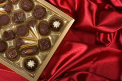 pudełkowaty czekolad czerwieni atłas Obrazy Royalty Free