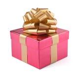 pudełkowaty prezent odizolowywać menchie Fotografia Royalty Free