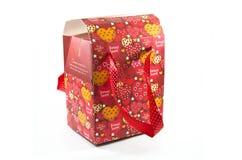 pudełkowatych kartonowych serc rozpieczętowana czerwień zdjęcie stock