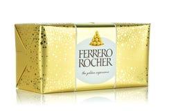 Pudełko Ferrero Rocher cukierki obrazy stock