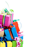 pudełkowaci kolorowi prezenty Obraz Stock