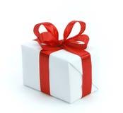 pudełkowatego prezenta czerwony tasiemkowy biel Fotografia Royalty Free