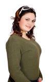 Pudgy meisje met zonnebril op hoofd Royalty-vrije Stock Foto