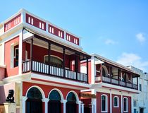 Puducherry, Índia - 2 de outubro de 2017: Hotel da herança do bayoud da casa de campo imagem de stock