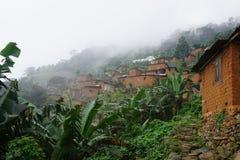 Pueblo africano en la montaña del agou en Togo foto de archivo