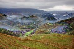 Pueblo campesino en la región montañosa de China agrícola, RUR Imagen de archivo libre de regalías