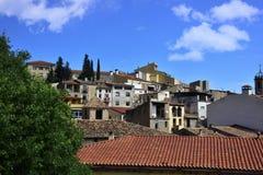 Pueblo cerca de Santa Maria De Montserrat Benedictine Abbey Fotografía de archivo libre de regalías