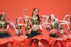 Pueblo chino de la danza popular foto de archivo