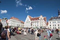 Pueblo con mercado de Tallinn Foto de archivo libre de regalías