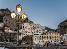 Pueblo Costiera Amalfitana Italia de Amalfi Fotografía de archivo