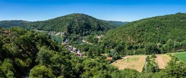 Pueblo de Ambialet, Francia imagen de archivo libre de regalías