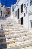 Pueblo de Apiranthos, isla de Naxos, Cícladas, egeas, Grecia imagenes de archivo