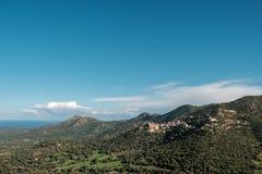 Pueblo de Belgodere en la región de Balagne de Córcega imagenes de archivo