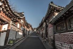 Pueblo de Bukchon Hanok, arquitectura coreana tradicional del estilo en S Imagen de archivo libre de regalías