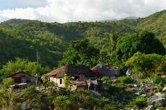 Pueblo de Cuba ningún la montaña de Sierra Maestra imágenes de archivo libres de regalías