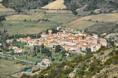 Pueblo de Cucugnan en Languedoc-Rosellón, Francia Foto de archivo