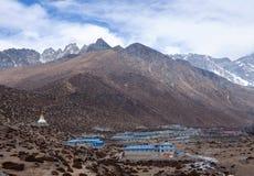 Pueblo de Dingboche en la manera al campo bajo de Everest, Nepal Himalay Foto de archivo