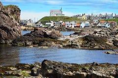 Pueblo de Findochty en Escocia del norte fotos de archivo libres de regalías