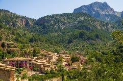 Pueblo de Fornalutx en Majorca Foto de archivo