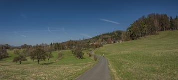 Pueblo de Frydstejn en día agradable soleado Fotografía de archivo libre de regalías