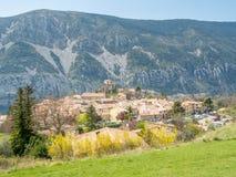 Pueblo de Gréolières en Francia Fotos de archivo libres de regalías