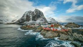 Pueblo de Hamnoy en timelapse de las islas de Lofoten, Noruega almacen de video
