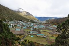 Pueblo de Khumjung, Nepal Himalaya Imagen de archivo