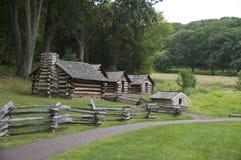 Pueblo de la cabaña de madera fotos de archivo