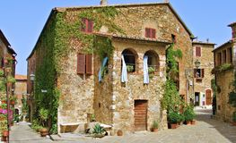 Pueblo de la característica de Maremma Toscana fotografía de archivo libre de regalías
