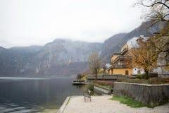 pueblo de la orilla del lago en Europa Imagen de archivo libre de regalías