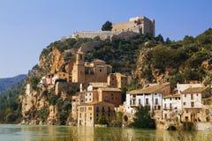 Pueblo de Miravet en Catalunya, España Foto de archivo libre de regalías
